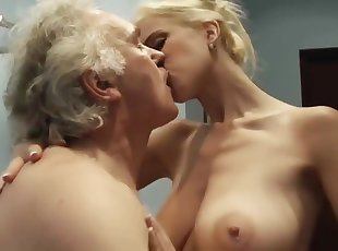 Cumshot , Mature , Mom , Old Young