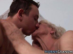 Grannies , Mature