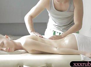 handjobs , Massage , Små bryster