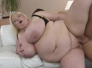 BBW , Big Tits , Mature , Mom , Old Young , Young