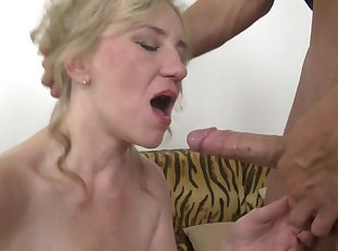 Young , Amateur , Grannies , Mature , Mom , Old Young