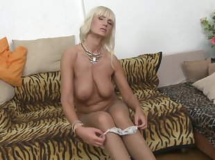 Amateur , Big Tits , Grannies , Mature