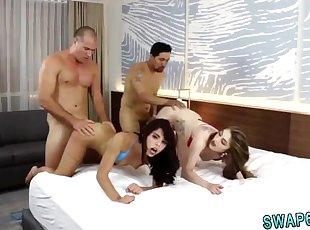 그룹 섹스 , 비탄 , 작은
